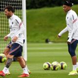 Suspenso en Francia por el futuro de Mbappé y expectativa por debut de Messi