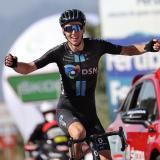 Romain Bardet se impuso en la decimocuarta etapa de la Vuelta