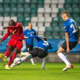 Bélgica remonta ante Estonia con goleada y sigue líder