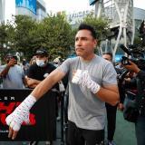 Óscar de la Hoya anunció su regreso al boxeo