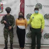 Cárcel a mujer sindicada de ocultar armas usadas para el sicariato en Córdoba