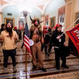 Hombre disfrazado de bisonte se declara culpable por asalto al Capitolio