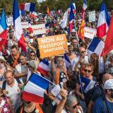 Francia, sumida en protestas en contra del pasaporte sanitario