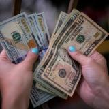 Dólar abre este lunes sobre $ 3.800 en modalidad 'next day'