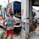 Bus de Coochofal chocó contra farmacia en Carrizal