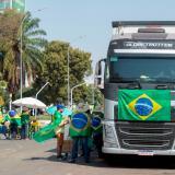 """Bolsonaro les pide """"calma"""" a los ultras que lo acusan de """"traidor"""""""