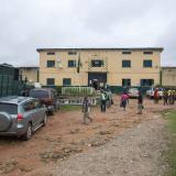 Hombres armados atacan cárcel y liberan a unos 240 presos