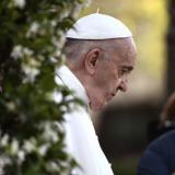 """El papa critica el """"abuso de poder"""" en los movimientos eclesiásticos"""