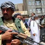 """Pakistán pide """"reforzar y estabilizar"""" a Gobierno talibán por bien de afganos"""