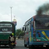 'Buses chimenea' impactan la calidad del aire