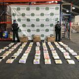 Incautan 5 mil accesorios de celulares de contrabando en Barranquilla