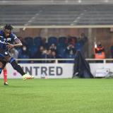 Atalanta 2, Milan 3: no alcanzó el gol de penalti de Duván Zapata