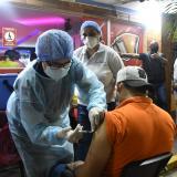 Establecimientos nocturnos comienzan a exigir carnet de vacunación