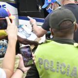 Neymar le cumplió el sueño al pintor Adalberto Viñas