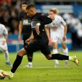Kylian Mbappé rescata al PSG con un gol de penalti en los minutos finales