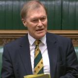 Muere diputado tras ser apuñalado durante un evento público en Inglaterra