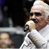 Familia de Vicente Fernández desmiente muerte cerebral del artista