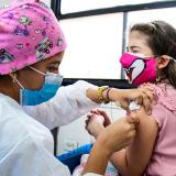 Vía libre a uso de la vacuna de Sinovac en menores de edad