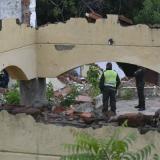 Hombre muere tras caerle viga de una casa abandonada en Campo Alegre