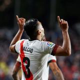 Radamel Falcao le dio la victoria al Rayo Vallecano frente al Barcelona