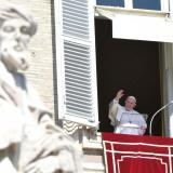 Papa Francisco recibió la tercera dosis de la vacuna contra el coronavirus