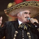 Vicente Fernández salió de cuidados intensivos y continuará su rehabilitación