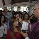 Valeria Abuchaibe recibió este miércoles la ceniza en la iglesia Torcoroma