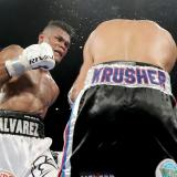 Los mejores instantes de la pelea de Eléider Álvarez, nuevo campeón mundial semipesado OMB