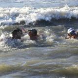 En imágenes quedó registrado el momento en que rescatan a dos bañistas en Puerto Colombia