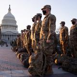 Guardia Nacional de EE.UU. ocupa Capitolio para garantizar posesión de Biden