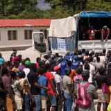 Desespero en Haití: saquean 4 camiones que transportaban ayuda humanitaria