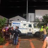 Cámara de seguridad registra atraco a escoltas de carro de valores en Valledupar