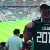 La historia del hincha mexicano que perdió a su familia antes del Mundial y recibió esta inesperada sorpresa