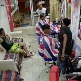 En video   Ni las máquinas de corte de cabello se salvan de atraco en barbería en La Chinita
