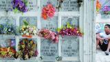 Flores, nostalgia y tradiciones perdidas en el Día de los Difuntos