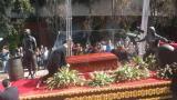 El funeral de Chespirito se celebra en privado con familiares y amigos