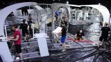 Los alemanes que instalan el Túnel de la Ciencia