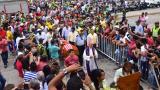 Con aplausos y banderas despiden a 'El Campeón' en Barranquilla