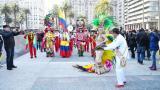 La reina del Carnaval de Barranquilla 2018, Valeria Abuchaibe, dio apertura al desfile de la Batalla de Flores en Montevideo.