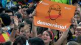 Estudiantes marchan en Cataluña para defender referendo de independencia