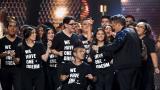 """""""Por cada piedra un soñador"""",  Alejandro Sanz en homenaje a los 'dreamers'"""