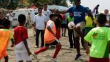 Didier Drogba durante un juego en las playas de Cartagena.