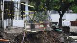 En video   Placas de vía en San José se vienen abajo por aguacero