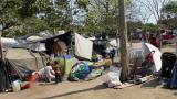 En video | Se triplican las familias que viven bajo el puente de Murillo