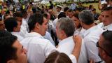 El presidente Iván Duque y el autoproclamado mandatario de Venezuela, Juan Guaidó llegan al centro de acopio en donde está la ayuda humanitaria.