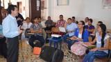 Los profesores también se hicieron partícipes de la formación de los alumnos, quienes atienden animados las propuestas.