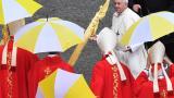 """El Papa criticó el """"triunfalismo que busca subirse al carro del ganador"""""""