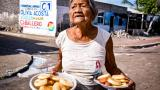 ¿Quién responde por la nevera que se me quemó por los apagones? pregunta Dominga Orozco, del barrio Nuevo Horizonte de Tasajera.