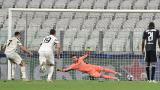 Juventus solo es rey en Italia, Lyon sacó las garras