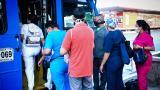 Las autoridades permitieron un aforo en el interior de los buses de servicio público del 50%.